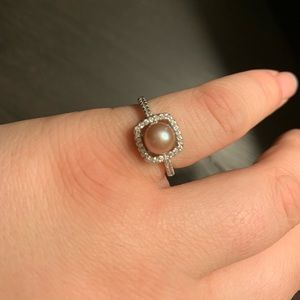 Pearl Chic Ring